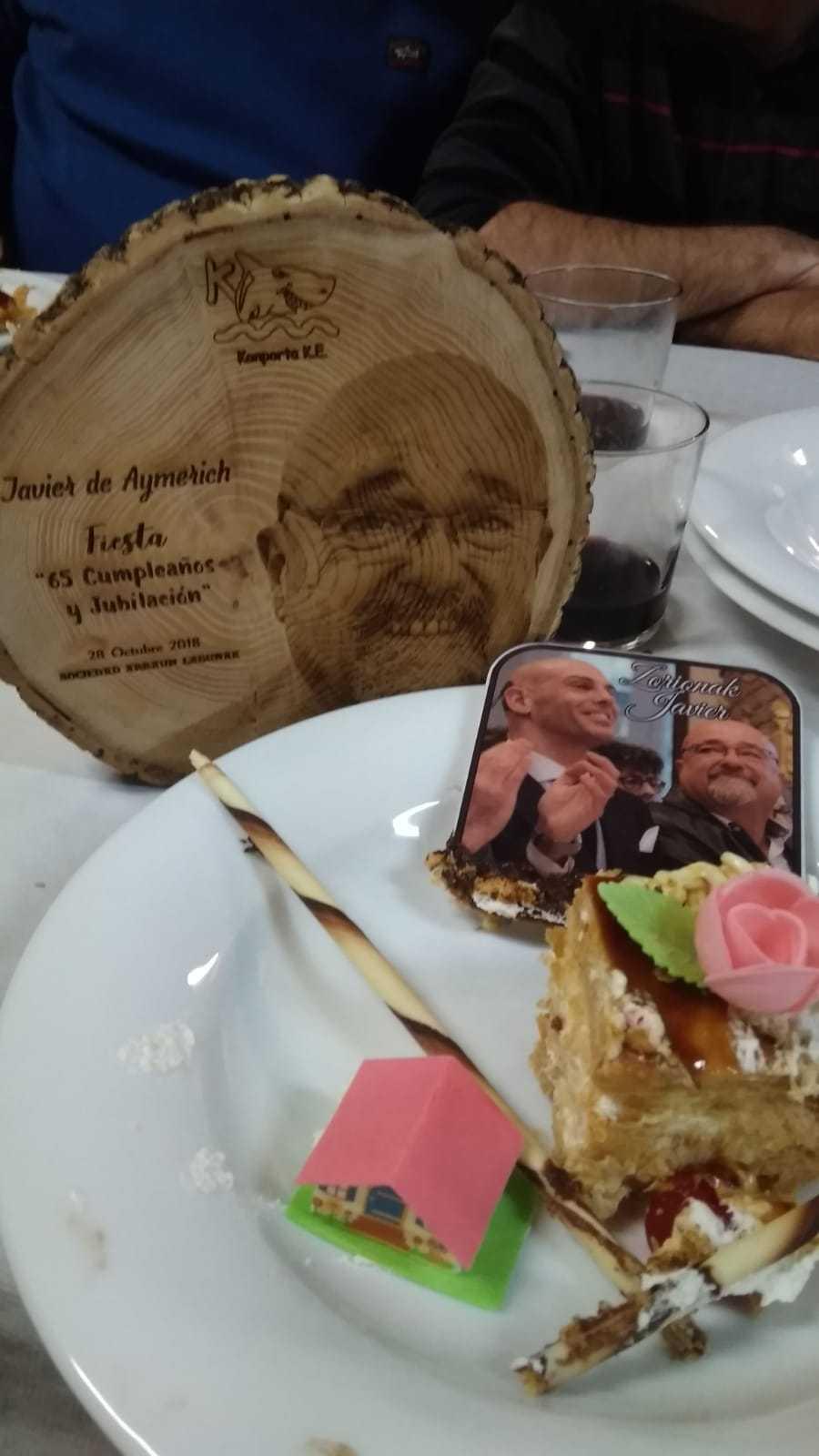 Emotivo acto por la jubilación de Javier de Aymerich - Konporta