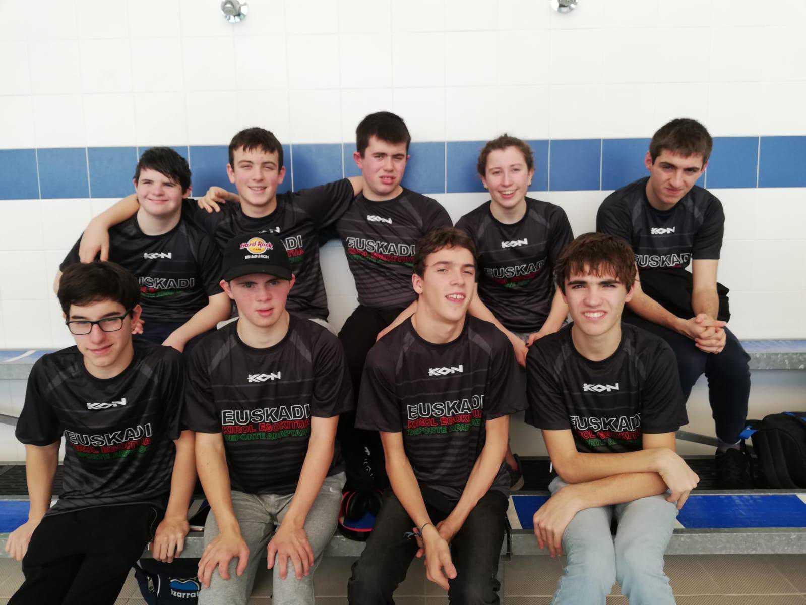 Sa lelección de natación de Euskadi acude al campeonato de España Joven (AXA) - Konporta